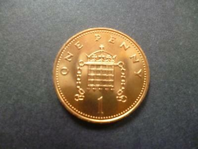 1984 UNCIRCULATED ONE PENCE PIECE. 1984 1p COIN IN UNCIRCULATED CONDITION.