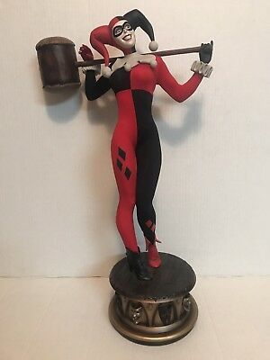 HARLEY QUINN Premium Format Figure Sideshow  Collectibles Exclusive DC Hot Toys