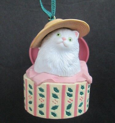 Hatbox Kitty Cat Christmas Ornament Unbranded Resin