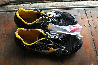 MAZUNO Lace-up Black & Yellow Cricket Shoes Size W's US 9.5 / M's 7.5 Japan 27.5