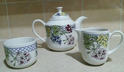 Vintage Retro Ringtons Wade Trellis Tea, Pot Sugar Bowl and Milk Jug