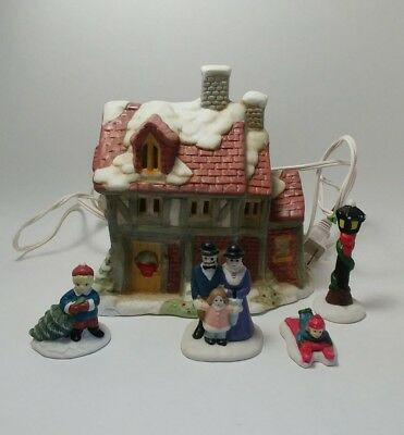 Christmas ceramic house 7 Pieces Lighted Set Collectors Of Dickens Ceramic