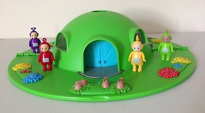 Teletubbies Light Up House Dome Play Set TOMY with Figures and Many Accessories