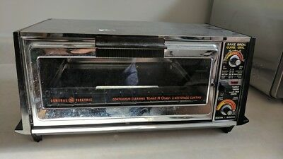 Vintage GE General Electric TOAST-R-OVEN Chrome / Woodgrain Toaster Oven
