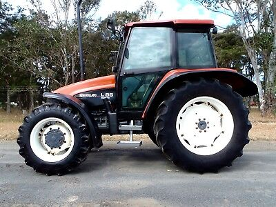 New Holland T85 4x4 tractor fitted with A/C Cab