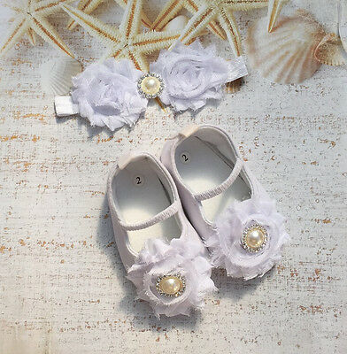 NEW Baby Girls Vintage Flower & Pearl White Christening Shoes 3-6 months