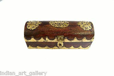 Vintage Highly Decorative Wooden Box Beautiful Brass Fittings Work. G43-107
