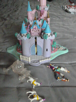 Vintage Bluebird Polly Pocket Cinderella lit up castle 6 figures & glass coach