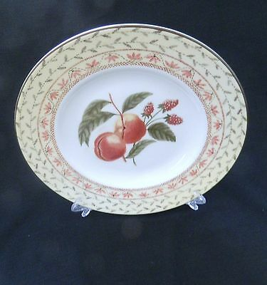 Johnson Bros. Fruit Sampler Luncheon Plate  A14051 Made in England Pink Gray