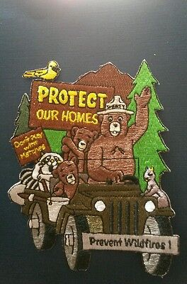 """Smokey Bear With Friends 2007  IN JEEP '' patch"