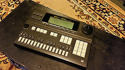 Yamaha QY-300 MIDI Music Sequencer Arranger Rhythm Machine Excellent Condition