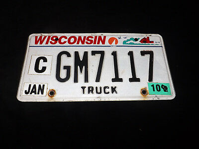 2010 WISCONSIN License Plate GM7117
