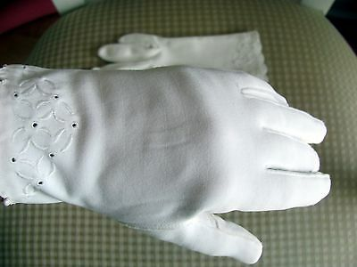 2 pair of cotton day gloves. Embroidered.