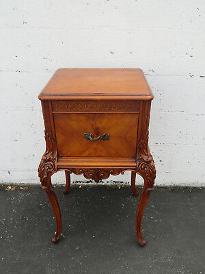 French Carved Burl Wood Nightstand Side End Lamp Table 8671