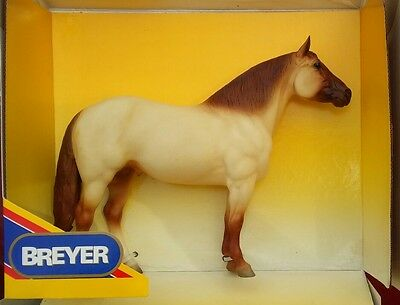 Breyer Rough-n-Ready Adios #885