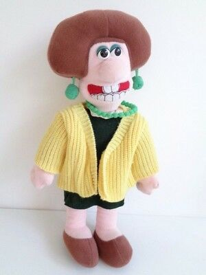 "VINTAGE WALLACE & GROMIT WENDOLENE with YELLOW CARDIGAN 15"" SOFT TOY"