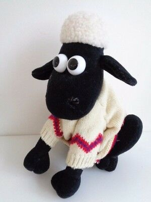 "Vintage Wallace & Gromit - Shaun The Sheep - Woolly Jumper - 9"" Soft Toy"