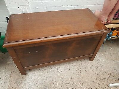Wood Wooden Vintage Old Style Solid Blanket or Toy Box Storage with lid