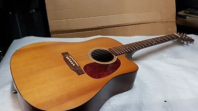 MARTIN ELECTRO ACOUSTIC - made in USA - FISHMAN PICKUP