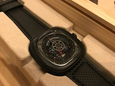 SEVEN FRIDAY WATCH P3/01 Racer - Complete with BRAND NEW STRAP