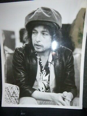 Lovely Collection of Original 25cm x 20cm Press Photos of Bob Dylan