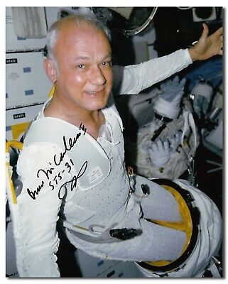 Bruce McCandless handsigned 8x10 suiting up glossy - 7f167