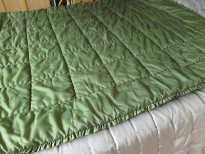Vintage retro olive green padded double very plump quilt bedspread vgc
