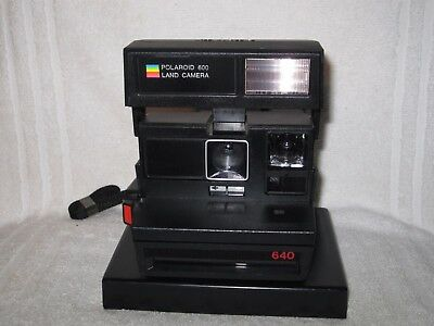 Vintage Polaroid 640 Land Instant camera. Working