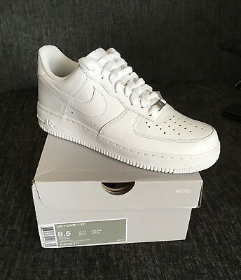 nike air force 1 07 low Size Uk 7.5 white