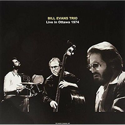 Live In Ottawa . Cb Radio Canada Int . 1974 - BILL EVANS TRIO [LP]