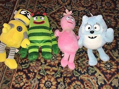 Lot of 4 Yo Gabba Gabba plush bean bags Plex Toodee  Foofa & Brobee  set TY