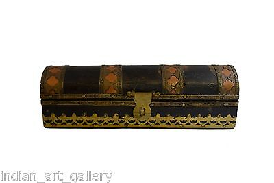 Vintage Highly Decorative Wooden Box Beautiful Brass Fittings Work. G43-121