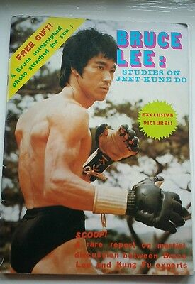 "BRUCE LEE STUDIES ON JEET KUNE DO"" RARE 1976 HK Magazine with PHOTO INSERT"