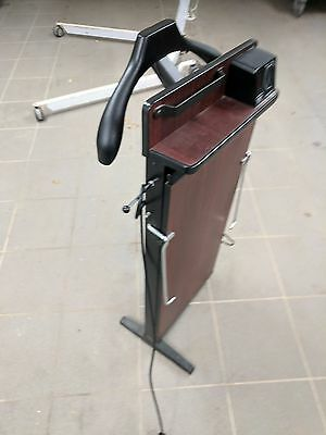 Corby electric trouser press with 30 minute timer. Used. Broken Leg.