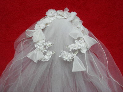 VINTAGE 1950s/60s WEDDING VEIL WITH FLORAL AND PEARL HEAD DRESS