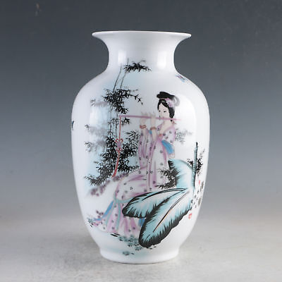 China Porcelain Hand-Painted Beauty Vase Made During The Da Qing Qianlong HP0062
