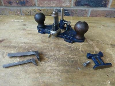 A Good Vintage Record No 071  Router Plane - 3 x Cutters