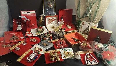 Large Lot Of Christmas Brooches And Holiday Necklaces Santa Snowmen Trees