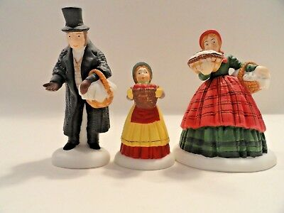 "Dept 56 Heritage Village Collection, ""the Spirit Of Giving"", Original Box, Exc+"