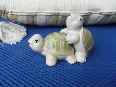 LOVELY  Tortoise Salt & Pepper Set