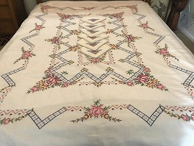 Vintage Hand Embroidered Cross Stitch Tablecloth with 6 Serviettes to Match