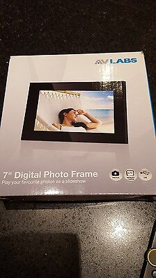 7 inch digital photo frame brand new in box AV LABS