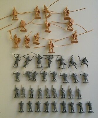 Vintage plastic toy soldiers - Normans and Romans