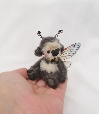 *little Snow Bee*a Cute 4.3/4 Inch  Jointed Mohair Bumble Bee  Bear*