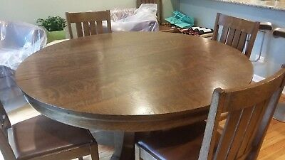 Vintage Round Oak Pedestal Dining Table With 6 Chairs and 2 Leaves