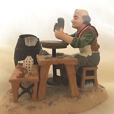 """Dept. 56 """"master Potter"""" #58527.  Dickens Village. Excellent.  Free Shipping"""