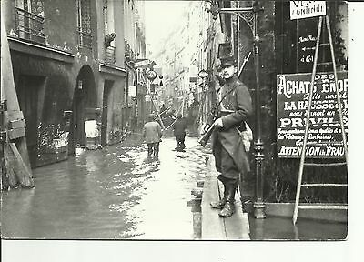 Paris - The flood in 1910 , rue de Bievre