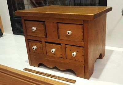 Small Primitive Chest of 5 Drawers Dresser