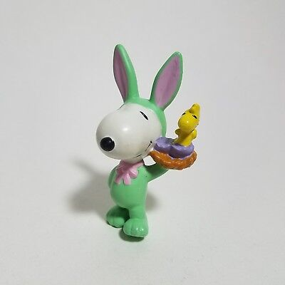 "PEANUTS - easter bunny Snoopy - 3"" vintage pvc figure - united feature syndicate"
