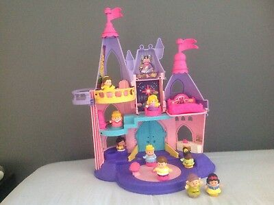 Fisher Price Little People Disney  Castle& Cinderella musical carriage & hoarse